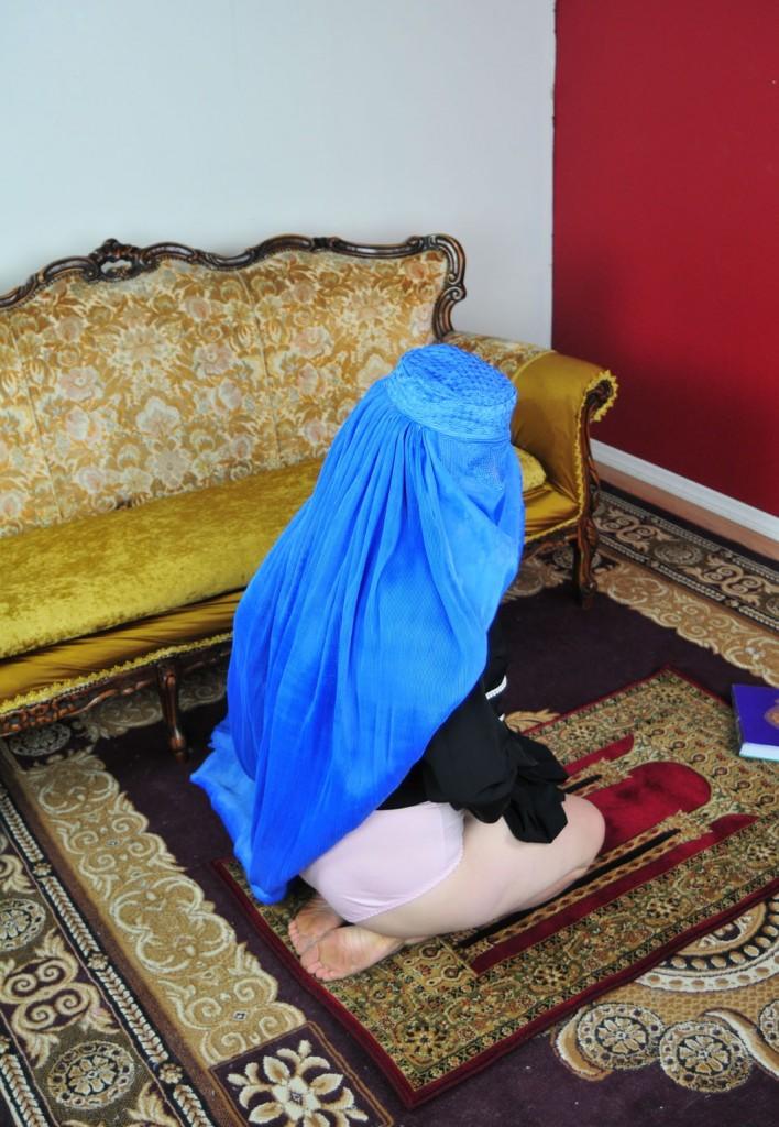 【※超・胸糞注意※】ISISの奴隷市場の様子をご覧下さい・・・。 → 胸糞悪すぎて見れないわコレ。。(画像26枚)・17枚目