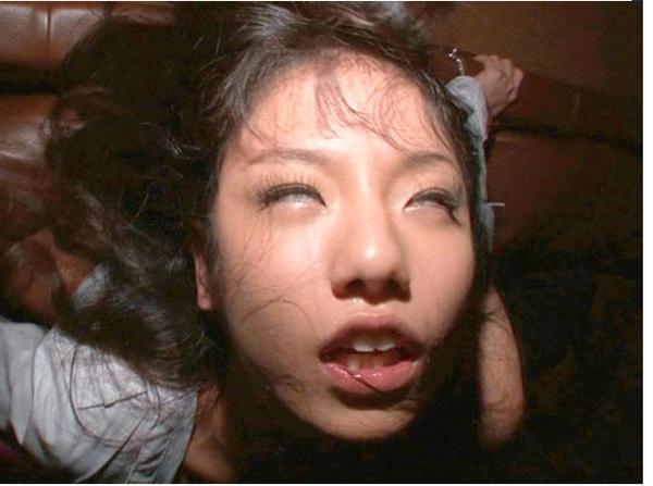 【※ドン引き注意※】女がガチで「イッた瞬間」の顔30パターンwwwwwwwwwwwwwwwwwwwww(画像あり)・21枚目