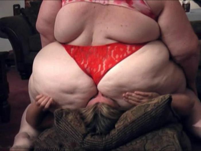 【※超絶悲報※】肥満女性に顔面騎乗された男性、、死亡。。。(画像あり)・19枚目