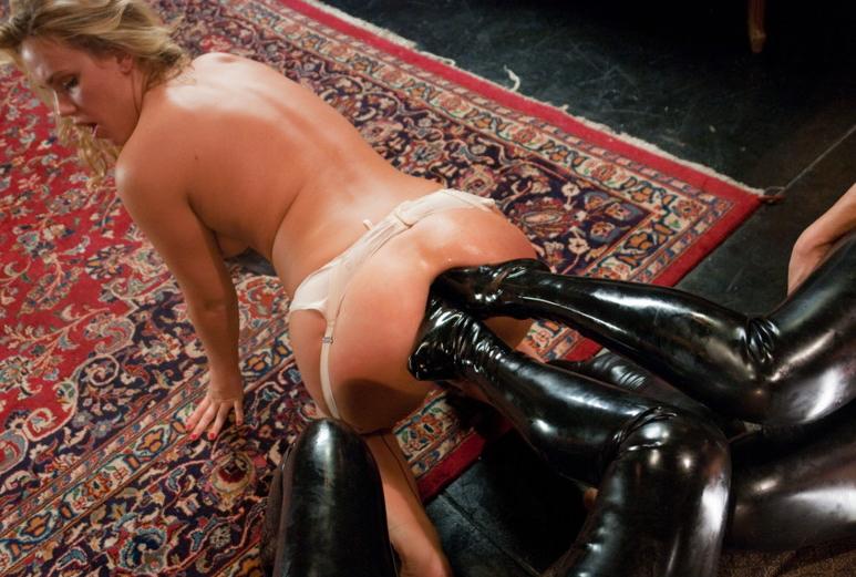 【※ヒェッ※】全裸の彼女の股間を全力で蹴り上げた結果wwwwwwwwwwwwwwwwwwww(画像あり)・17枚目