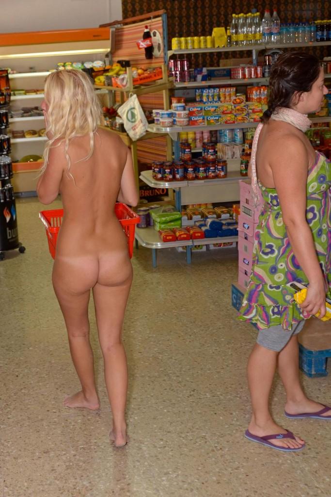 【※マジキチ※】ス ー パ ー に 全 裸 の 女 が い た ん だ がwwwwwwwwwwwwwwwwwww(画像あり)・1枚目