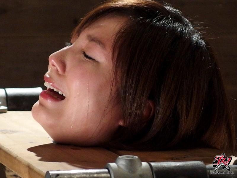 【※鬼畜注意※】女優が脱臼して問題になったAVがコチラ → ガチ泣きしてて草wwwwwwwwwww(画像あり)・26枚目