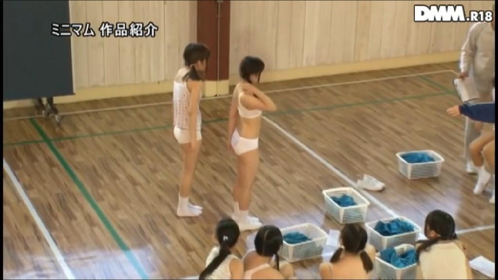 【※おっき不可避※】女子小●生の集団身体測定の様子wwwwwwwwwwwwwwwwwwwwww(画像あり)・8枚目