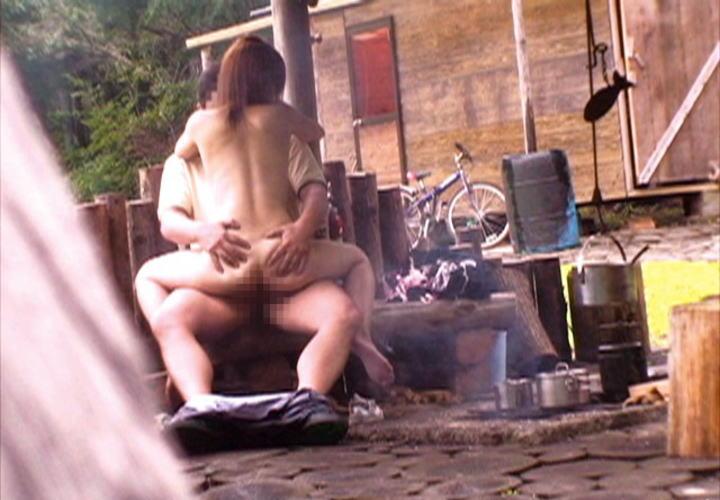 【※盗撮注意※】割と堂々と野外セックスするカップルの鋼のメンタルは理解し難いよな。(画像あり)・9枚目