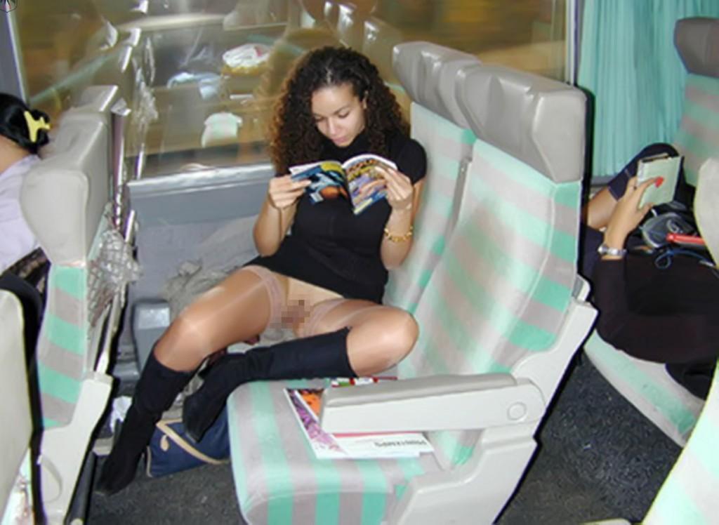 【※マジキチ※】満員電車で陽気な露出狂女に遭遇したwwwwwwwwwwwwwwww(画像あり)・24枚目