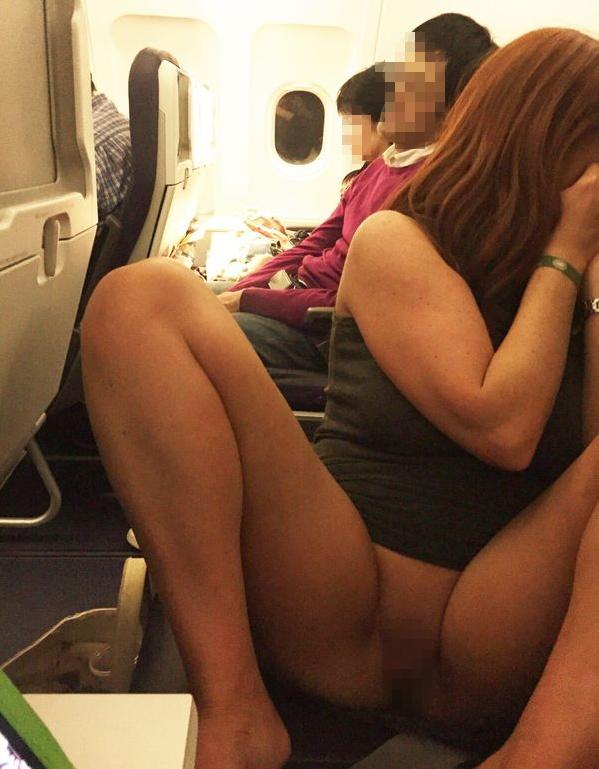 【※マジキチ※】満員電車で陽気な露出狂女に遭遇したwwwwwwwwwwwwwwww(画像あり)・10枚目