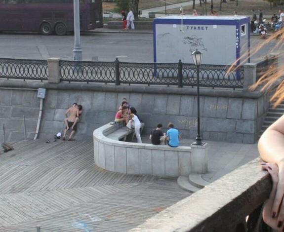 【※マジキチ※】「お!公園の噴水でセクロスしてるヤツおるやんけ!撮ったろ」 → 写真がコチラwwwwwwwwwwwww(画像あり)・15枚目