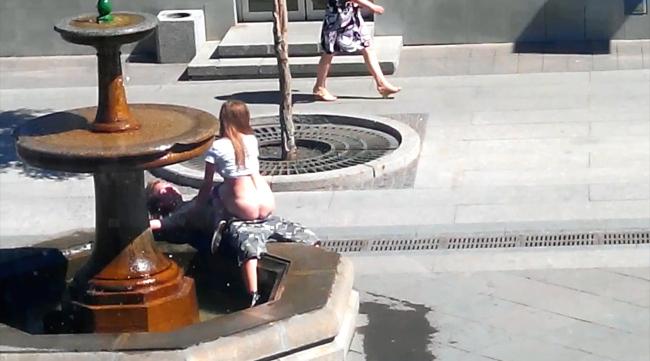 【※マジキチ※】「お!公園の噴水でセクロスしてるヤツおるやんけ!撮ったろ」 → 写真がコチラwwwwwwwwwwwww(画像あり)・4枚目