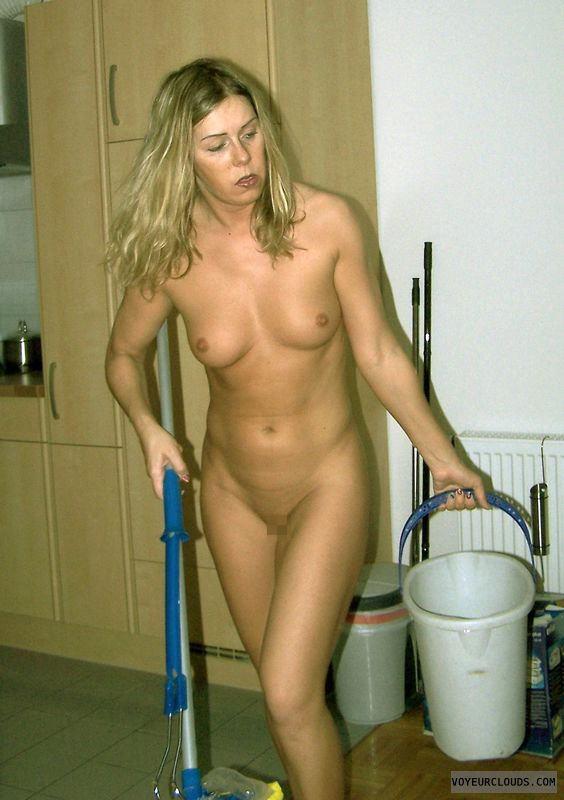 【※裸注意※】「ワイの嫁裸族やねんけど家事はしっかりやるで」 って画像貼ってくwwwwwwwwwwwwwwwwwww(画像あり)・20枚目