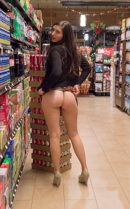 【マジキチ】スーパーでミニスカノーパン女に遭遇したんだがwwwwwwwwwwwwwwwwwwwwwwwwwwww(※画像あり※)・24枚目