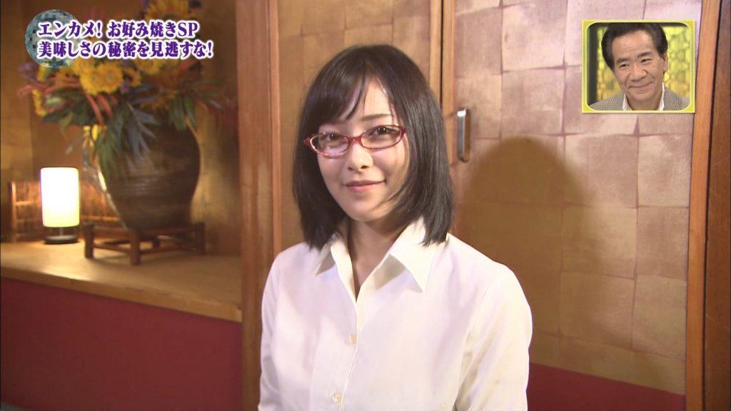 関西ローカル番組、巨乳ビキニにお好み焼きを焼かせるという意味の分からないセクハラ企画を敢行wwwwwwwwww(※キャプあり※)・21枚目