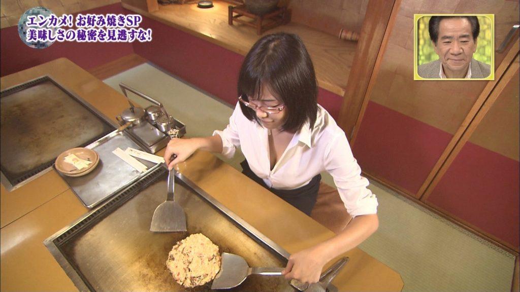 関西ローカル番組、巨乳ビキニにお好み焼きを焼かせるという意味の分からないセクハラ企画を敢行wwwwwwwwww(※キャプあり※)・27枚目