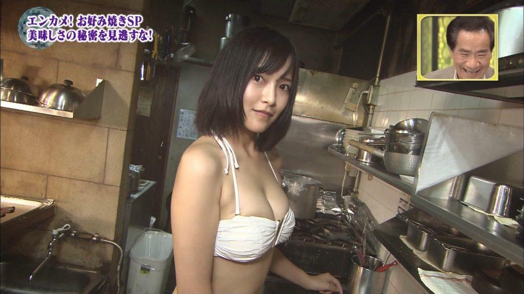 関西ローカル番組、巨乳ビキニにお好み焼きを焼かせるという意味の分からないセクハラ企画を敢行wwwwwwwwww(※キャプあり※)・33枚目