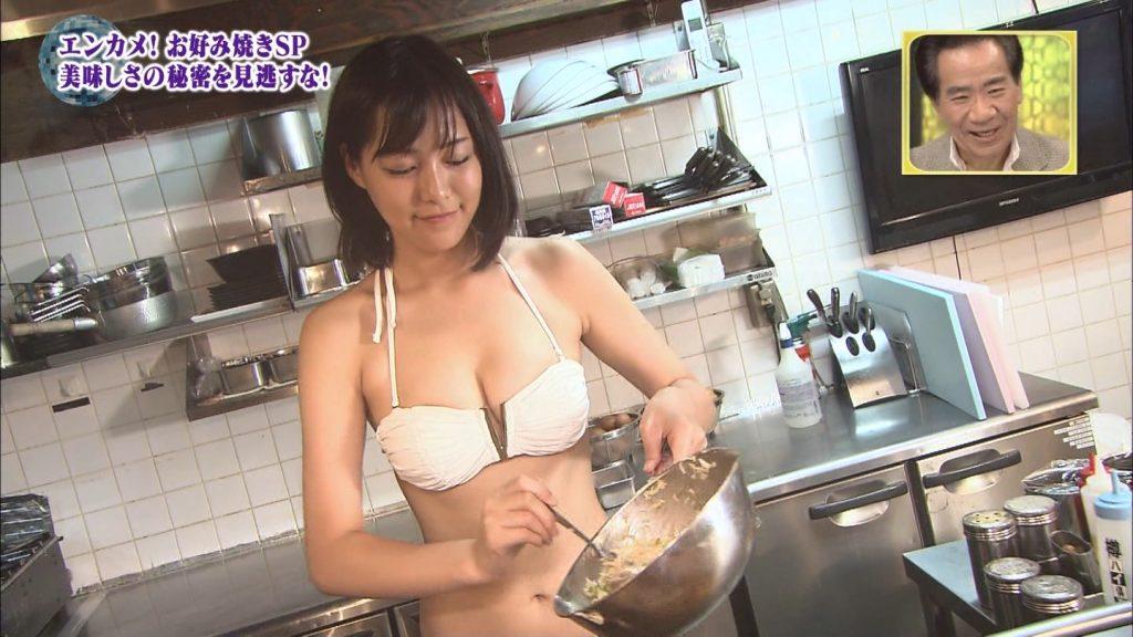 関西ローカル番組、巨乳ビキニにお好み焼きを焼かせるという意味の分からないセクハラ企画を敢行wwwwwwwwww(※キャプあり※)・34枚目