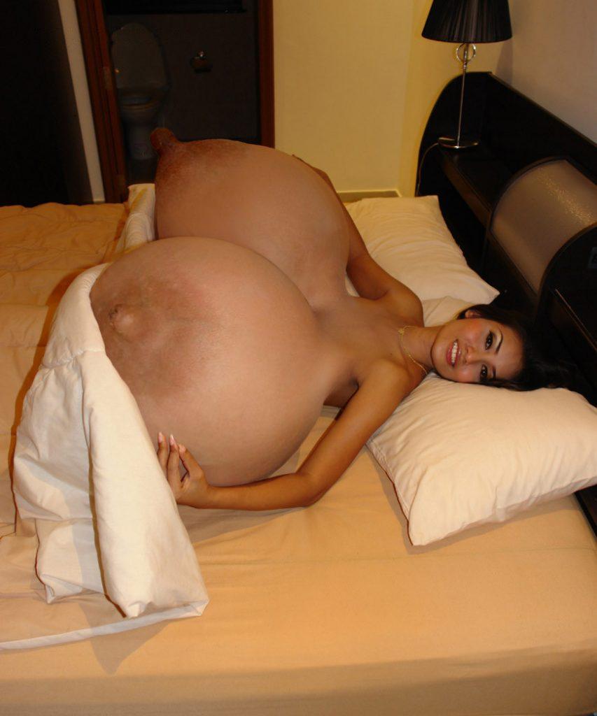 【※超乳】ギネス記録を軽く超える「超おっぱい」に成長すした海外の女の子をご覧下さいwwwwwww(画像あり)・52枚目