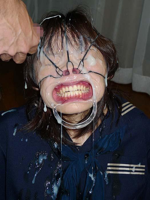 【※閲覧注意※】女の鼻の穴狙って顔射したった結果wwwwwwwwwwwwwwwwwwwwwwwwwww(画像あり)・23枚目