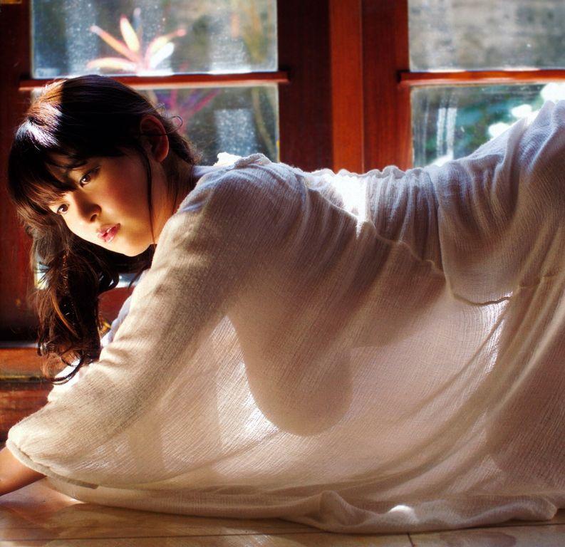 【※衝撃※】「チーチャオリン」とかいう台湾が世界に誇る乳神様のおっぱいがコチラwwwwwwwwwwwwwww(画像あり)・12枚目