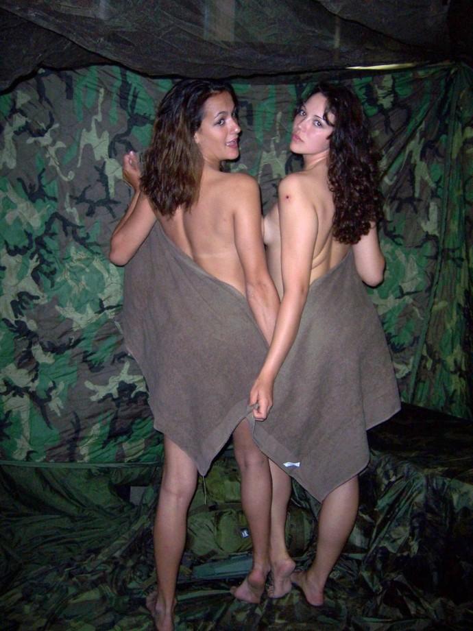 【※ガチ女兵士提供※】戦地から楽しい自撮りをお送りしますwwwwwwwwwwwwwwwwwwwwwww(画像あり)・19枚目