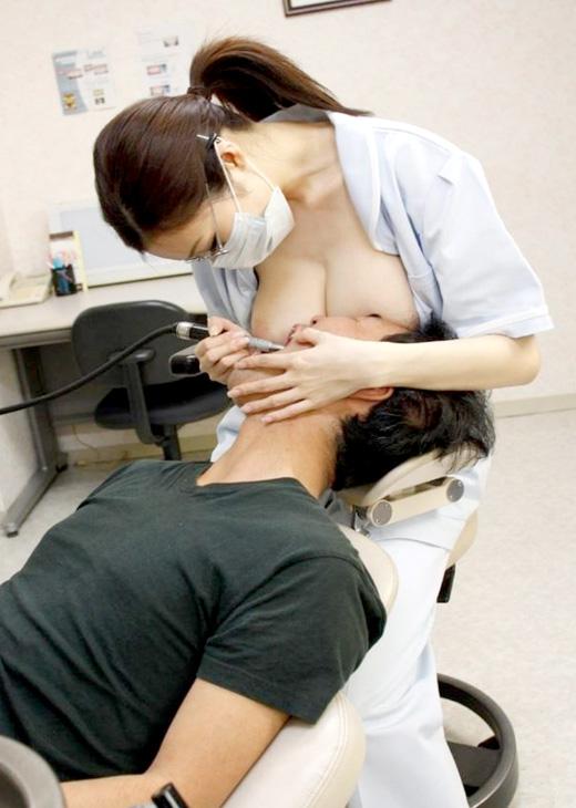 【※歯医者あるある※】歯が痛くて歯医者に行った結果・・・歯が治ってチンポが痛くなるww ←コレwwwwwwwww(画像あり)・1枚目