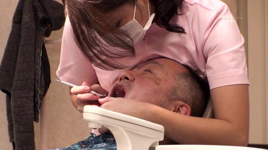【※歯医者あるある※】歯が痛くて歯医者に行った結果・・・歯が治ってチンポが痛くなるww ←コレwwwwwwwww(画像あり)・10枚目