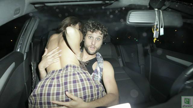 【※草不可避※】カーセックスしてるカップルにフラッシュ焚いて写真撮ったった結果wwwwwwwwwwwwwwwww(画像あり)・1枚目
