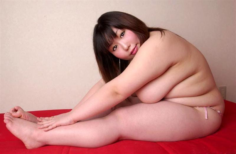 【※混乱注意※】拒食症と過食症の女の子の裸を交互に貼っておまえらを混乱に陥れる愉快犯スレwwwwwwwwww(画像あり)・10枚目