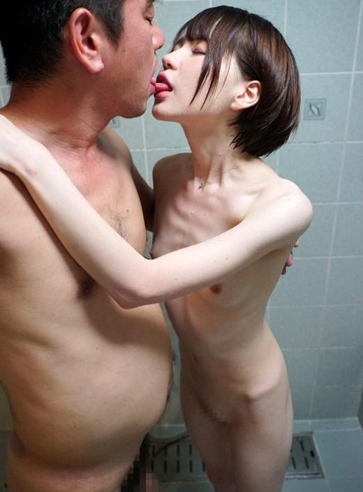 【※混乱注意※】拒食症と過食症の女の子の裸を交互に貼っておまえらを混乱に陥れる愉快犯スレwwwwwwwwww(画像あり)・23枚目
