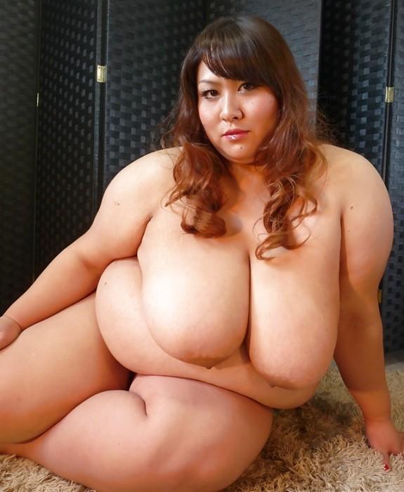 【※混乱注意※】拒食症と過食症の女の子の裸を交互に貼っておまえらを混乱に陥れる愉快犯スレwwwwwwwwww(画像あり)・8枚目