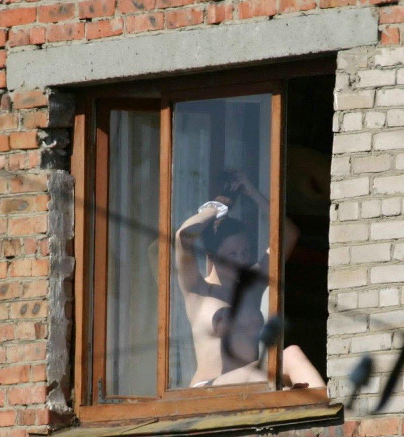 【※女性注意※】窓際についつい裸で数秒間立ってしまったまんさんの末路・・・サクッと人生終了しててワロタ。。。(画像あり)・20枚目