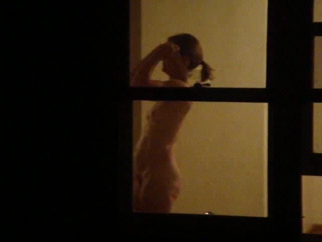 【※女性注意※】窓際についつい裸で数秒間立ってしまったまんさんの末路・・・サクッと人生終了しててワロタ。。。(画像あり)・22枚目