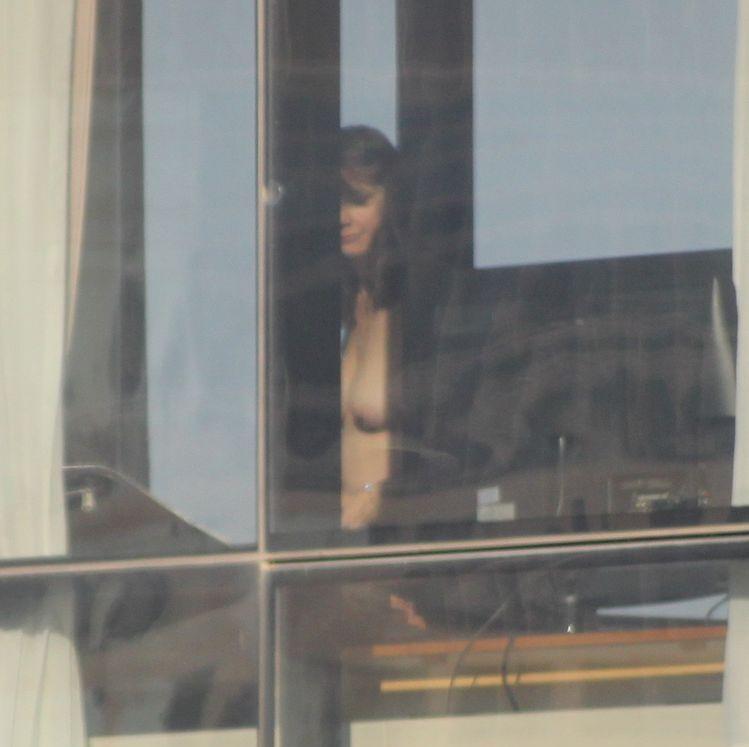 【※女性注意※】窓際についつい裸で数秒間立ってしまったまんさんの末路・・・サクッと人生終了しててワロタ。。。(画像あり)・3枚目