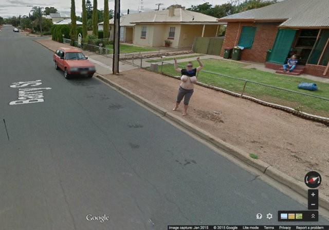 【※画像あり】Googleマップのストリートビューに偶然映ったおっぱいを集めた結果。 ←これって盗撮にならないの?wwwwwww(画像多量)・1枚目