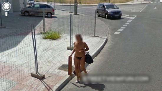 【※画像あり】Googleマップのストリートビューに偶然映ったおっぱいを集めた結果。 ←これって盗撮にならないの?wwwwwww(画像多量)・2枚目