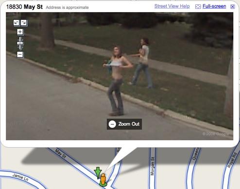 【※画像あり】Googleマップのストリートビューに偶然映ったおっぱいを集めた結果。 ←これって盗撮にならないの?wwwwwww(画像多量)・8枚目
