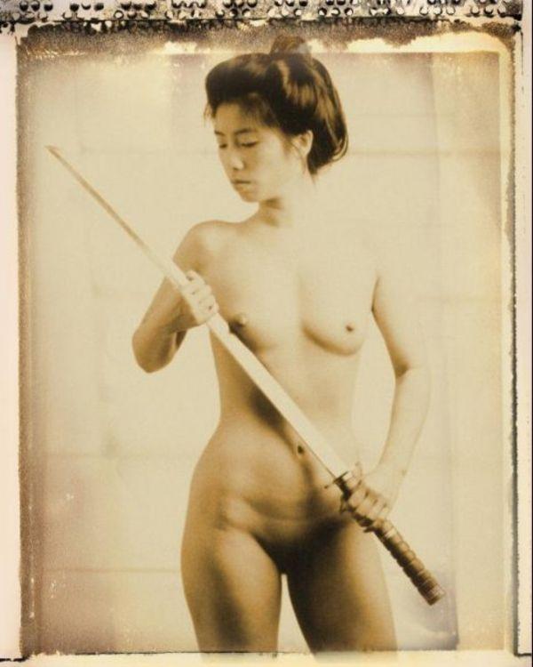 【※超マニアック】ワ イ 、 つ い に 日 本 刀 を 持 っ た ま ん さ ん の ノ ス タ ル ジ ッ ク 写 真 の エ ロ さ に 気 付 く。・10枚目