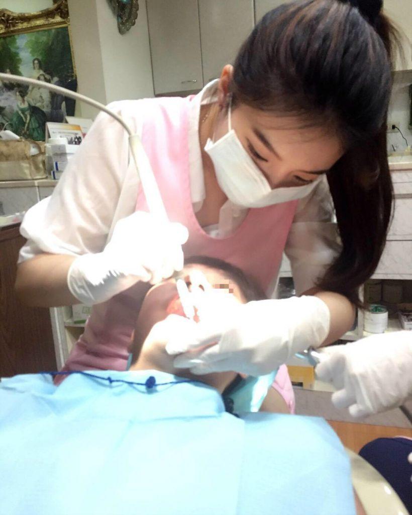 【※朗報】台湾のミニスカ歯科衛生士、エッッッッッッッッッッッッッッッッッッッッッッロ杉ワロタwwwwwwwwwwwwwwww(画像あり)・17枚目