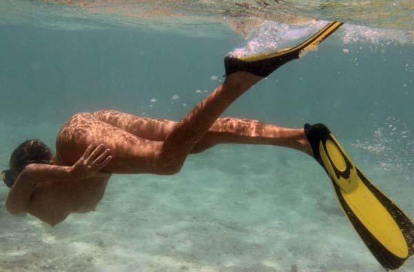 【※マジキチ】海 行 っ た ら 全 裸 で ウ ェ イ ク ボ ー ド や っ て る ま ん の 者 に 遭 遇 し た ン ゴwwwwwwwwwwwwwwwwwwwwww(画像あり)・24枚目