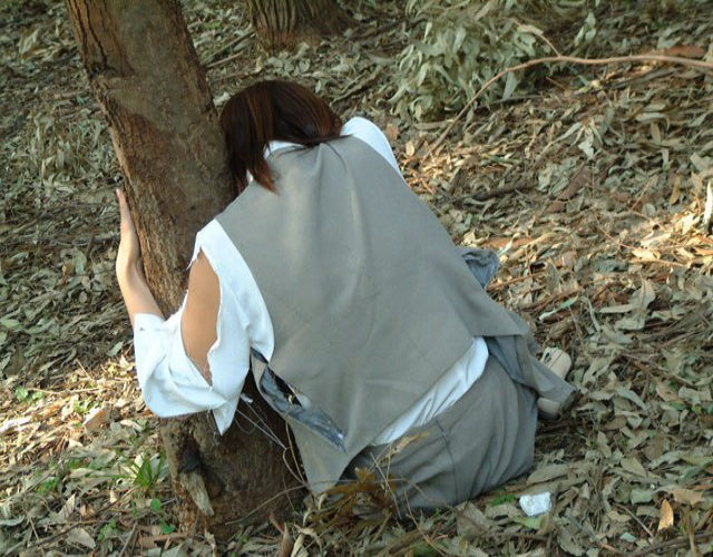 【※閲覧注意】レイプされて放置された日本人まんさんの姿をご覧下さい。 「脳裏に焼き付いた」「ガチのヤツ放り込んでくるのやめろよ」(画像あり)・25枚目