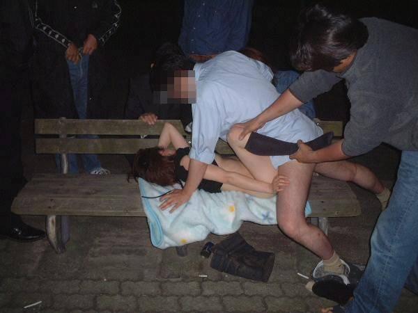 【※超胸糞注意※】日本人のリアルなレイプ現場画像、、、正直吐きそう。(画像あり)・1枚目