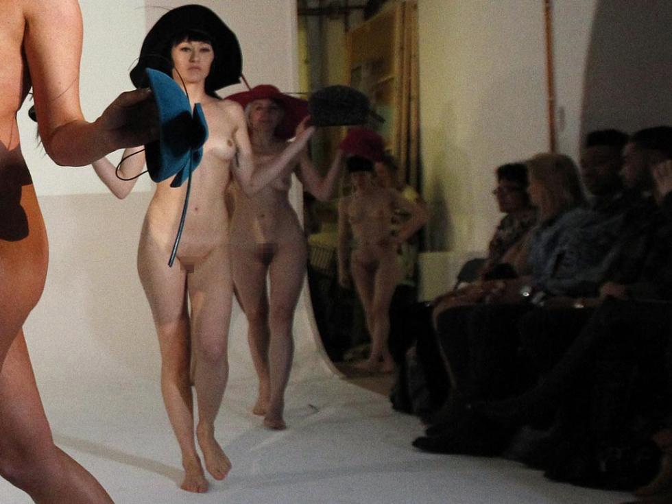 【※有能】ファッションデザイナー 「もう乳透けファッションやり尽くしたしどうしよう、、、せや!!」 ← コレwwwwww(GIFあり)・15枚目