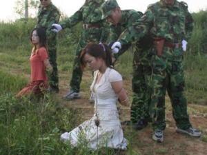 【閲覧注意】中国田舎の極刑の様子、、、余りにもひどい。 こんなに流れ作業で殺すんか。。。(画像24枚)
