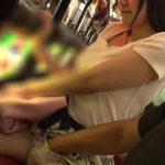 【※エロ画像あり※】資 金 が 底 つ い た ま ん さ ん 、 パ チ ン コ 店 で 春 を 売 る。