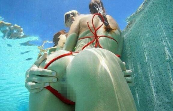 【※朗報】ワ イ 、 全 裸 で 泳 ぐ ま ん さ ん を 発 見 し た の で 防 水 携 帯 で 撮 影 を 強 行。(画像あり)・21枚目