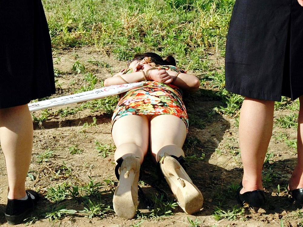 【※閲覧注意】田舎チャイナの女死刑囚の死刑執行の様子がコチラ、、、スーパー雑杉泣いた。。。(画像あり)・9枚目