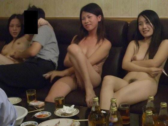 【※支那文化※】儲ける為なら何でもヤル!! 中国スナックの店内の様子をご覧下さいwwwwwwwwwwwwww(画像あり)・14枚目