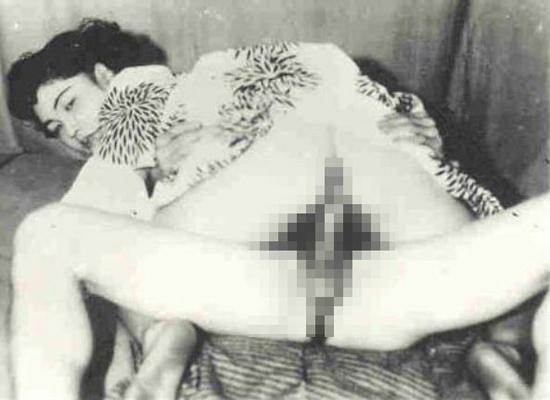 【※貴重※】白黒時代、昭和初期のエロ画像が想像より斜め上な事実。(画像26枚)・24枚目