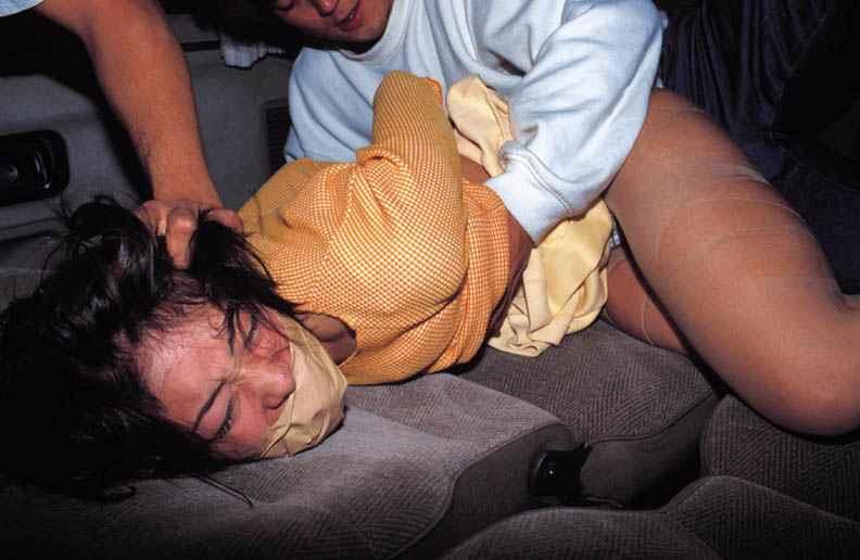 【※閲覧注意※】日本人のレイプ現場画像を貼ってく。。これはアカンヤツ。。。(画像25枚)・3枚目