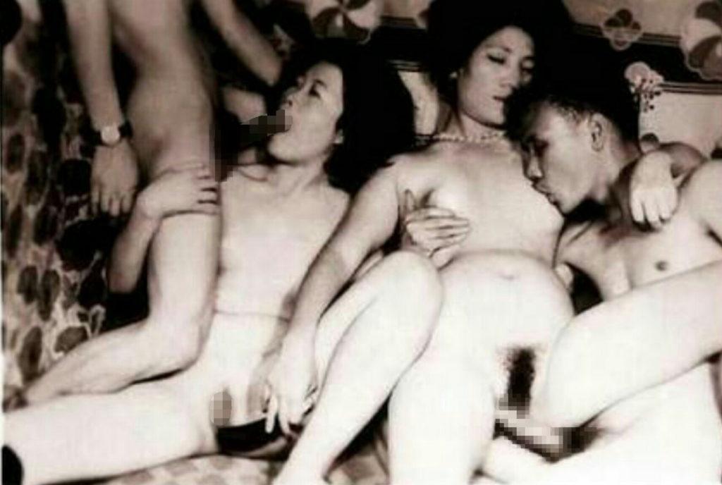 【※貴重※】白黒時代、昭和初期のエロ画像が想像より斜め上な事実。(画像26枚)・6枚目