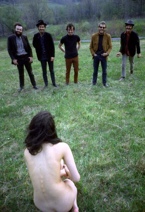 【※闇深定期※】CMNF(着衣の男性と裸の女性)とかいう闇の深いエロ画像貼ってく。これなんか鬱になるな。(画像20枚)・11枚目
