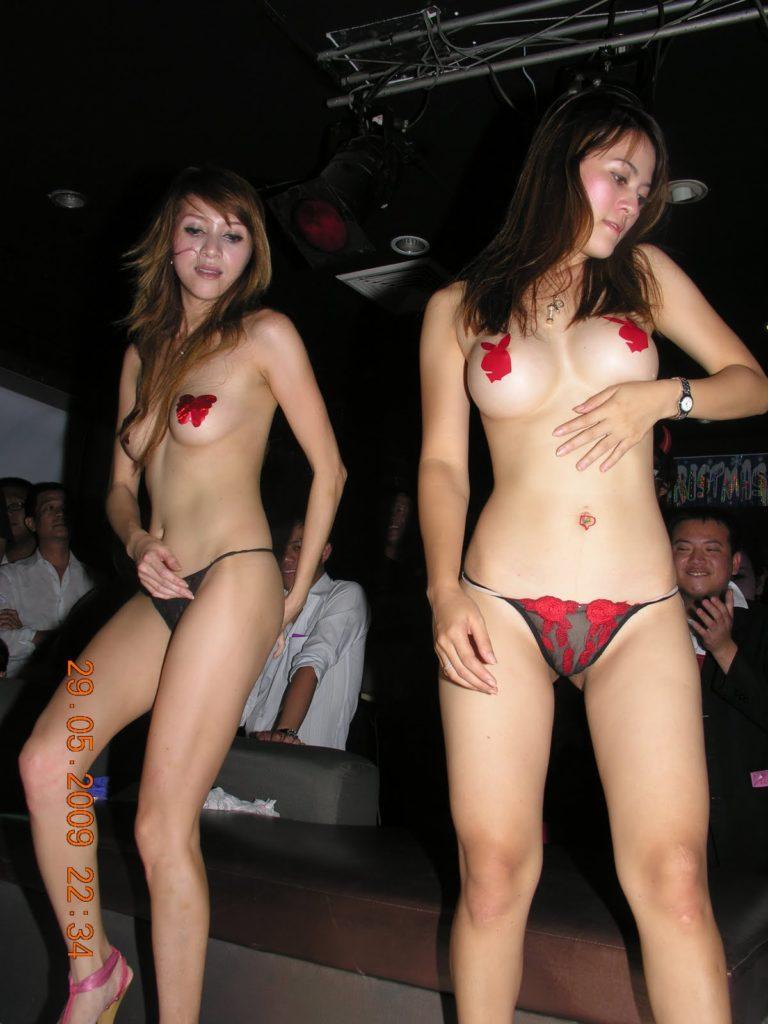 【※違法注意】タイの「マッサージパーラー」とかいうゴリゴリ風俗の店内をご覧くださいwwwwwwwwwwwwwwwww(画像あり)・18枚目